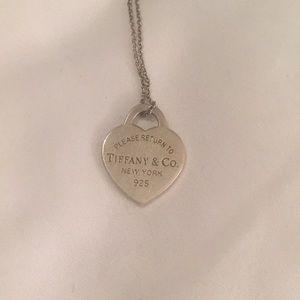 Return to Tiffany's Heart tag charm and chain